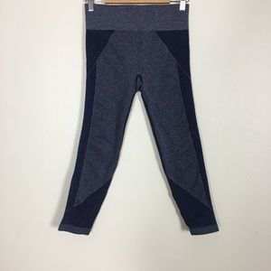 Aerie Chill Play Move Blue Cropped Leggings